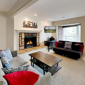 New Listing! Remodeled Condo, Minutes To Skiing Condo