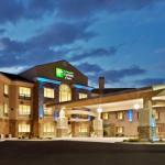 Accommodation near Idaho Center - Holiday Inn Express Hotel & Suites Nampa