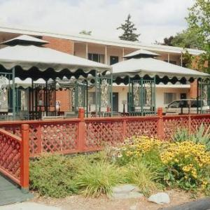 Ithaca College Hotels - Meadow Court Inn - Ithaca