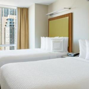 Bull & Bear Chicago Hotels - Springhill Suites By Marriott Chicago Downtown/River North
