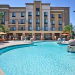 Accommodation near Gila River Arena - Hampton Inn & Suites Phoenix Glendale-Westgate