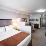 Downtown Friendship Centre Hotels - Acclaim Hotel Calgary Airport