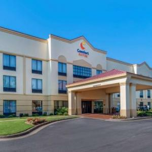 Hotels near First Baptist Church of Woodstock - Comfort Suites Woodstock