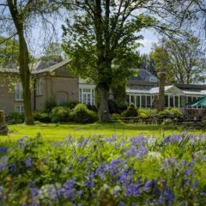 B/W Normanton Park Hotel