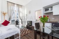 Earls Apartment
