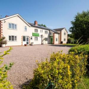 Mansfield Palace Theatre Hotels - Bridleways Guesthouse & Holiday Homes