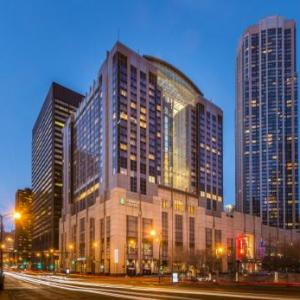 Grant Park Chicago Hotels - Embassy Suites Chicago Downtown Magnificent Mile