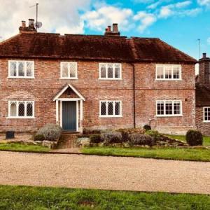 The Dorset Arms Cottage & Pub Rooms