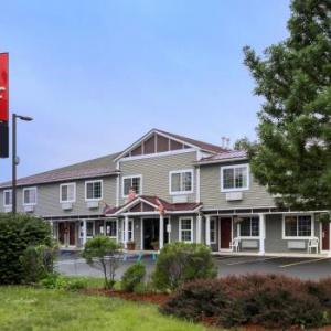 Glens Falls Civic Center Hotels - Red Roof Inn Glens Falls - Lake George
