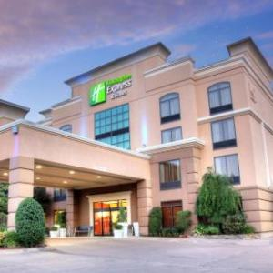 Hotels near Herrington Patriot Center - Holiday Inn Express Hotel & Suites Tyler South