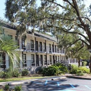 West Ashley High School Hotels - Creekside Lands Inn