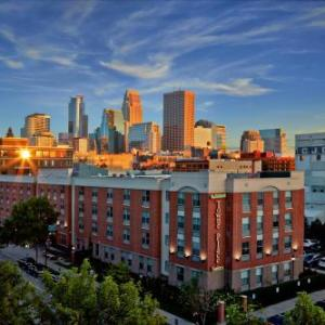 Hotels Near Acme Comedy Company Towneplace Suites By Marriott Minneapolis Downtown North Loop