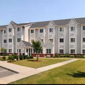 Von Braun Center Playhouse Hotels - Microtel Inn & Suites By Wyndham Huntsville