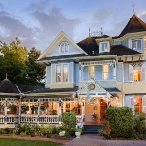 Hotels near Heartwood Soundstage - Sweetwater Branch Inn Bed And Breakfast