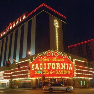 Smith Center Las Vegas Hotels - California Hotel And Casino