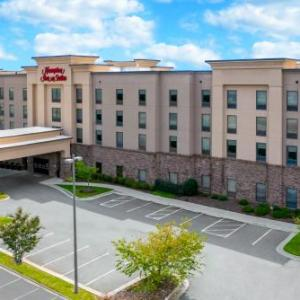 Hotels near UNC School of the Arts - Hampton Inn & Suites Winston-Salem/University Area