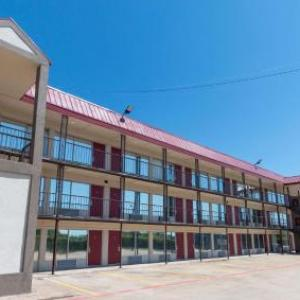 Magnuson Extended Stay and Suites Airport Hotel