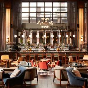 Hotels near Kendall College Chicago - The Hoxton Chicago