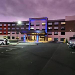 Holiday Inn Express & Suites - Harrisburg S - Mechanicsburg
