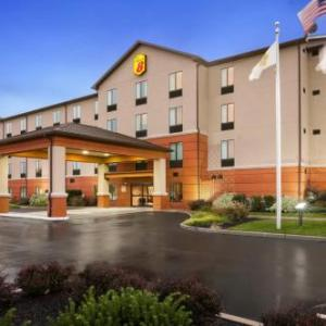 Hotels near Cowtown Rodeo Arena - Super 8 Pennsville