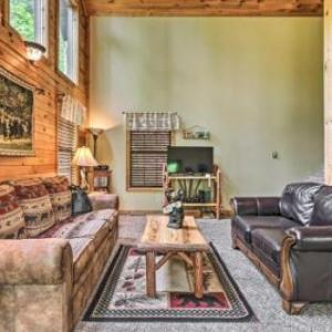 Shagbark Resort Cabin with Forest Valley Views!