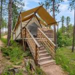 Under Canvas Mount Rushmore