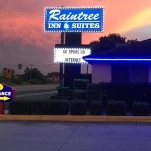 Harlandale Memorial Stadium Hotels - Raintree Inn And Suites