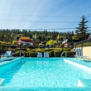 Bellingham High School Hotels - Coachman Inn