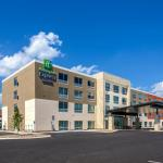 Holiday Inn Express & Suite Milroy - Reedsville