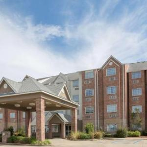 Hotels near USM Bennett Auditorium - Microtel Inn & Suites By Wyndham Hattiesburg
