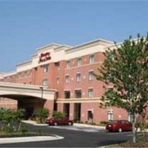 Collegiate School Richmond Hotels - Hampton Inn And Suites Richmond Glenside