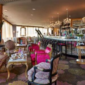 Basin Reserve Hotels - QT Wellington