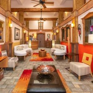 Santa Fe Community Convention Center Hotels - Luxx Boutique Hotel