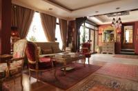 Gondola Hotel & Suites