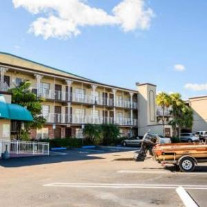 Hotels near Pompano Beach Amphitheatre - Executive Economy Lodge