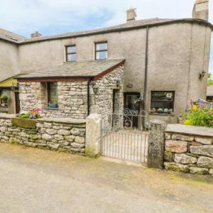 Beggars Theatre Millom Hotels - Horrace Farm Cottage