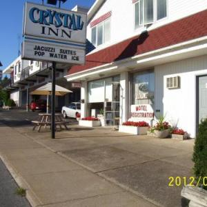 Book Now Crystal Inn (Niagara Falls, Canada). Rooms Available for all budgets. This inn is located along the Niagara River and less than 5 km from the Horseshoe Falls. The Niagara Falls Amtrak station is a 9-minute walk away.Rooms at Crystal Inn are equi