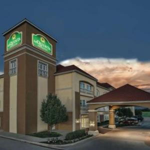 Hotels near Twisted J Live - La Quinta Inn & Suites By Wyndham Stephenville