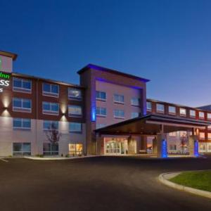 Holiday Inn Express & Suites - Moses Lake