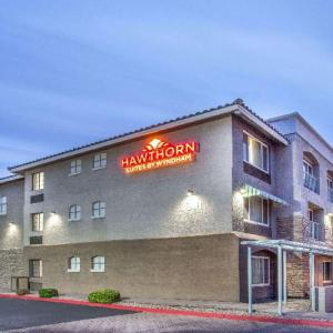 Hotels near Hollywood Alley - Hawthorn Suites By Wyndham Tempe