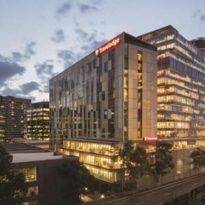 Footscray Park Hotels - Travelodge Hotel Melbourne Docklands