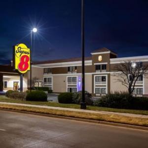 Wave Wichita Hotels - Super 8 by Wyndham Wichita East