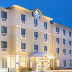 Hotels near Buffalo County Fairgrounds - Days Inn & Suites by Wyndham Kearney