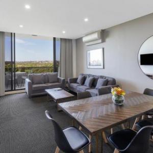 The Roundhouse Kensington Hotels - Meriton Suites Waterloo
