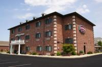 Country Hearth Inn & Suites Edwardsville Image