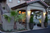 Terra Vive Luxury Suites & Apartments Image