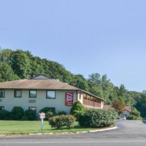 Red Roof Inn PLUS  & Suites Guilford