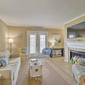 Gulf Shores Condo with Resort Pool Hot Tub and More!