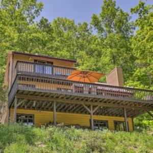 Naples House with Hot Tub and Deck - Near Finger Lakes!