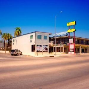 Del Rio Civic Center Hotels - Whispering Palms Inn